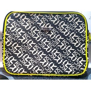 Kenneth Cole Reaction tablet or tech case
